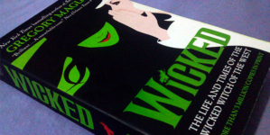 "Na Estante: ""Wicked"" de Gregory Maguire"