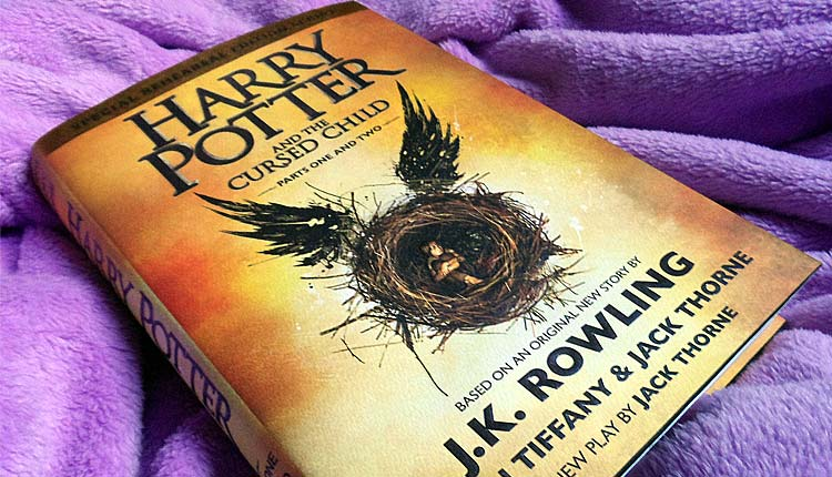 "Na Estante: ""Harry Potter and the Cursed Child"" de J.K. Rowling"