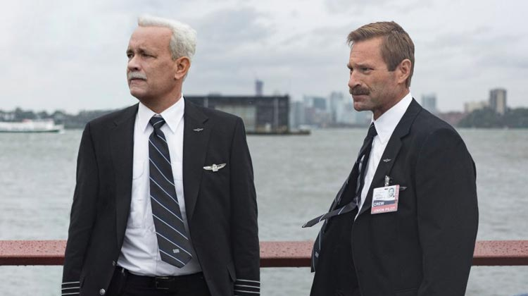 "Review: ""Sully: O Herói do Rio Hudson"" abusa de recursos narrativos"