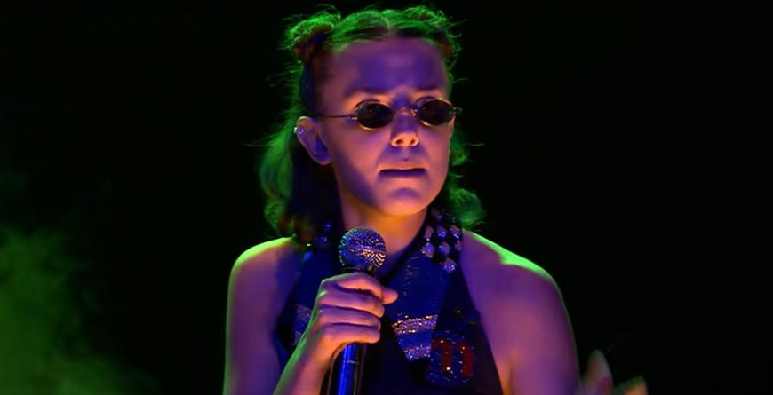"Millie Bobby Brown faz rap no ""The Tonight Show""!"