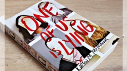 """One of Us is Lying"" de Karen M. McManus"